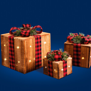 3 Wooden LED Parcels Red Tartan Bow , Cones and Berries