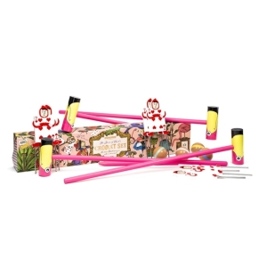 Queen Of Hearts Croquet Set