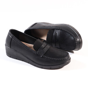 Ladies Moccasin With Low Wedge Heel Black