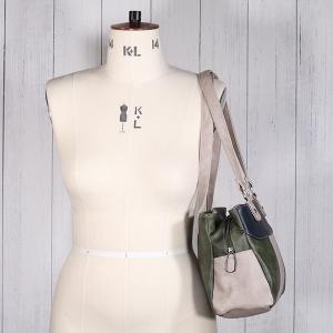 Ladies Triple Pocket Shoulder Bag Green Navy