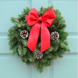 Classic Red Wreath 8″
