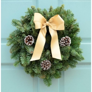 Classic Gold Wreath 8″