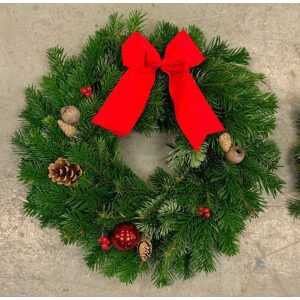 Traditional Christmas Wreath 10″