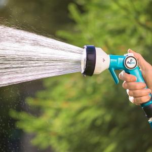 This Flopro Soft Flo Spray Gun has a super gentle waterflow. Thi