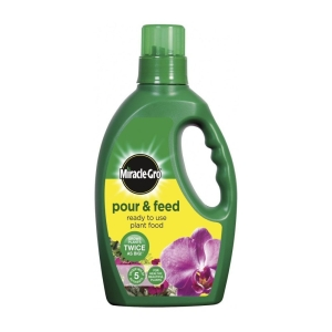 Miracle Gro Pour+Feed Plant Food 1L